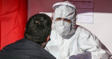 Jornada récord con 40 casos en Rosario y nuevo deceso en la provincia.