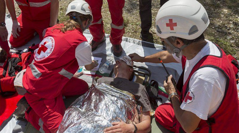 """""""Los voluntarios transforman valores en acciones"""", dijo titular de Cruz Roja por Día Internacional."""