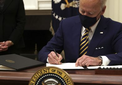 Biden firmó decretos de emergencia para ofrecer asistencia financiera a millones de estadounidenses.