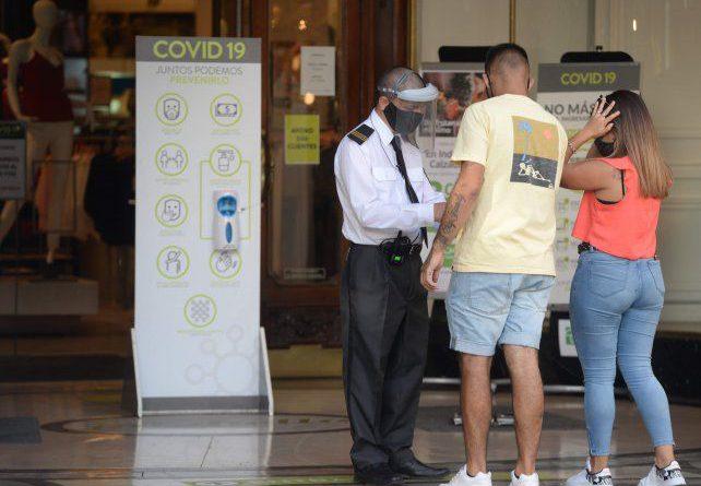 Rosario registró 10 de las 18 muertes por coronavirus de la provincia.