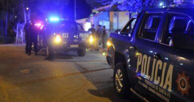 asesinaron a un hombre que entraba el auto a su casa